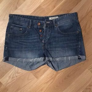 Urban outfitters button fly boyfriend short size 6